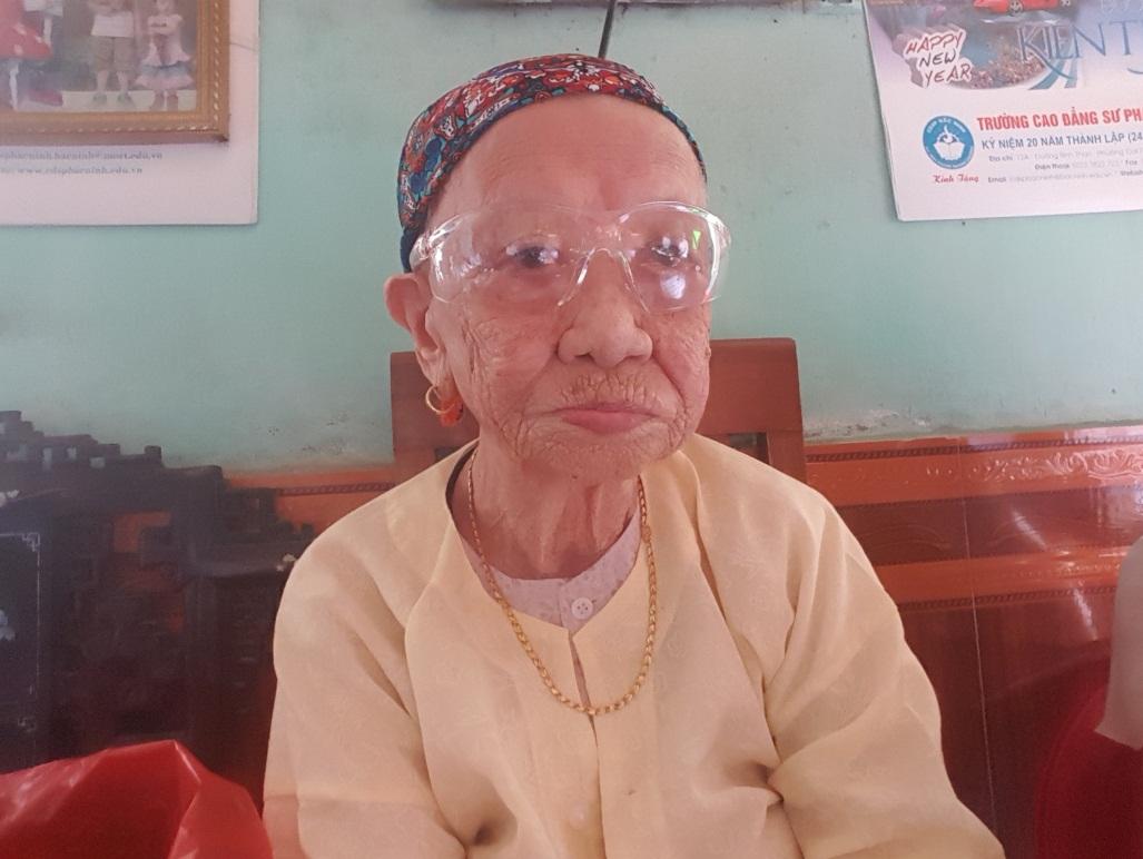 Chăm sóc, phụng dưỡng bà mẹ Việt Nam anh hùng